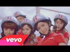 Crayon Pop - Bar Bar Bar (Global Version)....OMG THIS SONG IS AWESOME!!!! CRAYON POP!!!!