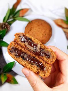 cookies okara vegan fourrés au chocolat et crème de marron Sans Lactose, Sans Gluten, Cookies Et Biscuits, French Toast, The Cure, Cooking, Breakfast, Desserts, Saveur