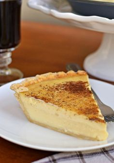 Old Fashioned Silky Creamy Custard Pie Delectable creamy egg custard pie is a cinch to make and sure to become a family favorite! Custard Pies, Custard Desserts, Custard Recipes, Pie Recipes, Just Desserts, Delicious Desserts, Dessert Recipes, Vanilla Custard Pie Recipe, Pie Cake