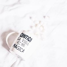 Viernes, cuánto has tardado en llegar!! Dejame abrazarte 😂💕 #vsco #vscocam #tumblr #pinterest #friday #happy #love #like #simple #white #alehop #coffee #office #home #decor #like4like #photography #instalike #instamoment #alehop.ps
