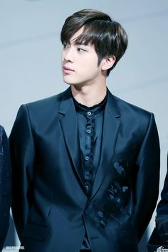 *tries to breathe but fails because worldwide handsome is ain't playing games*