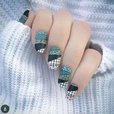 "1,316 kedvelés, 24 hozzászólás – MoYou-London Official (@moyou_london) Instagram-hozzászólása: ""WINNER + RUNNER UPS for the #MYLColours contest!⠀ ⠀ Simple and classy manicure from @dimondsndprls,…"""