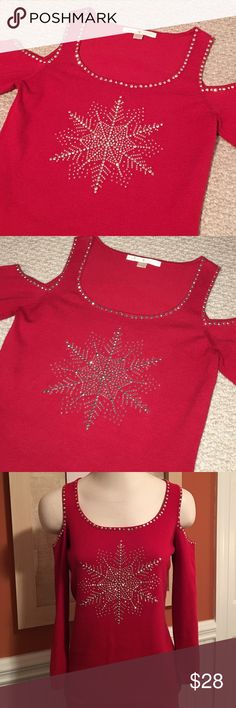 ❄️❤️ Beautiful Cold Shoulder Holiday Sweater❄️❄️❄️ ❄️❤️ Beautiful Red Cold Shoulder Snowflake Holiday Sweater. Embellished snowflake and around neckline and shoulder cut outs. Slightly fitted. Quarter length sleeves. This is a must have for the holidays!! ❄️❤️ Boston Proper Sweaters