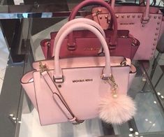 8 Proud Tricks: Hand Bags Pink Michael Kors hand bags designer coach.Hand Bags For Girls Michael Kors hand bags men accessories. Michael Kors Jet Set, Michael Kors Clutch, Michael Kors Selma, Sac Michael Kors Rose, Outlet Michael Kors, Michael Kors Designer, Handbags Michael Kors, Cute Purses, Purses And Bags