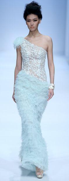 RUNWAY  chinese designer  ZHANG JINGJING S/S 2014 haute couture china fashion week