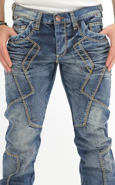 Looking for Men's Designer Jeans? Cipo & Baxx has the latest styles of Men's Ripped Jeans in Australia. Shop now on our online store! Denim Fashion, Fashion Pants, Fashion Edgy, Jeans Refashion, Thrift Store Outfits, Indian Men Fashion, Mode Jeans, Fashion Design Sketches, Denim Jeans Men