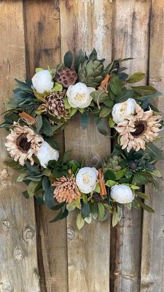 Outside Fall Decorations, Wedding Hall Decorations, Flower Decorations, Wreaths And Garlands, Holiday Wreaths, Wreaths For Front Door, Door Wreaths, Modern Farmhouse, Farmhouse Decor