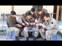 5 Κύπριοι στρατιώτες διασκευάζουν την «Τηλλυρκώτισσα» με έναν πολύ ιδιαί...