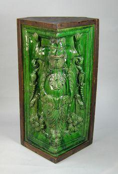 German green glazed stoneware corner tile