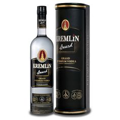 Using the best high-quality ingredients, this intense vodka is definitely a treat. Honor the guest of honor with a bottle and get ready for the compliments. Grand Premium, Vodka Gifts, Russian Vodka, Premium Vodka, Dry Gin, In Vino Veritas, Bottle Labels, Whiskey Bottle, Bar
