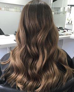 New Hair Balayage Brunette Sun Kissed Ideas Ash Blonde Hair Balayage, Caramel Blonde Hair, Hair Color Caramel, Brunette Hair, Sunkissed Hair Brunette, Blonde Highlights, Sun Kissed Hair, Dyed Hair, Wavy Hair