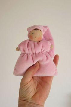 dromelotje knuffelpopje voor baby baby popje waldorf door TinyLuck