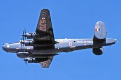 Avro Shackleton Flew unril 1991 with a radar from the You are in the right place about Aircraft parts Here we offer you the most beautiful pictures about the Aircraft art you are looking for. Navy Aircraft, Military Aircraft, Aircraft Parts, Aircraft Engine, Avro Shackleton, South African Air Force, Aircraft Maintenance, Old Planes, Experimental Aircraft