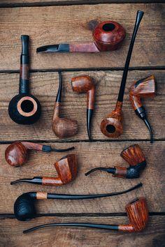 Fancy Freehands minimalist Billiards lengthy Churchwardens and palm-filling Giants. 18 Johs are on site now. http://smokingpip.es/2d1L8kx Tobacco Pipe Smoking, Cigar Smoking, Tobacco Pipes, Smoking Pipes, Cigars And Whiskey, Whisky, Pipes And Cigars, Wooden Pipe, Bongs