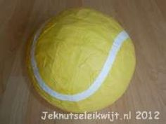 Surprise tennisbal