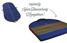In Polen gefertigter Kleidersack, der auch als Tasche zu verwenden ist. Jetzt nur nicht im Flugzeug hängen lassen... Gentleman, Gym Bag, Inspiration, Poland, Plane, Guys, Dime Bags, Gifts, Biblical Inspiration