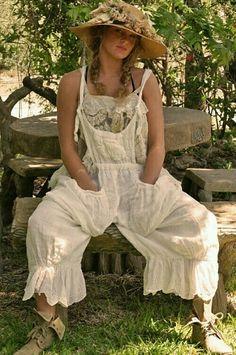 New Clothes Boho Magnolia Pearl 51 Ideas Mode Hippie, Bohemian Mode, Bohemian Style, Boho Chic, Gypsy Style, Boho Gypsy, Hippie Boho, My Style, Hippie Jewelry