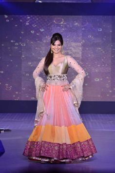 Manish Malhotra Popular indian wedding designer! Aline