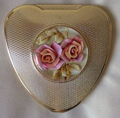 KIGU Cherie vintage powder compact with lucite roses circa late 1950s / early 60s