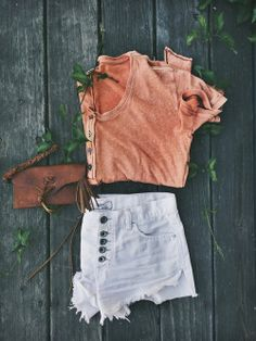 burn out tee + button up shorts + leather clutch