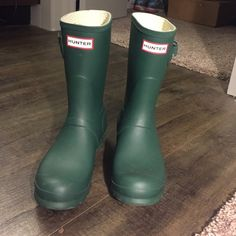 Short Hunter olive green rainboots short Hunter olive green rainboots!! Beautiful olive green color! Just like brand new.. Only worn once! Love the color and fit but looking for taller ones! Willing to trade if you have taller hunter rainboots! Hunter Boots Shoes Winter & Rain Boots