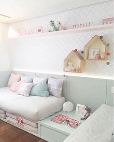 @figueiredo_fischer #bedroom #girl #girlroom #kidsroom #homedecor #arquiteta #archilovers #colors #pink #beautiful #luxuryhomes #arquitetura #decoracao #photo #quartodemenina #details #decor #instagram #instahome #instalove #blogger #interiordesign #amazing #blogfabiarquiteta #fabiarquiteta www.fabiarquiteta.com