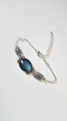 Bracelet noeuds celtiques Claire Fraser cabochon bleu argenté féérique Outlander Ecosse : Bracelet par miss-perles