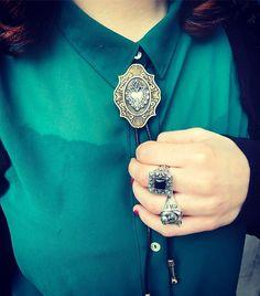 Bolo tie...cravattino texano...disponibile con cuore sacro, veliero, ancora...vi aspettiamo!!! A Firenze alla volta di San Piero @one_firenze  #elranatattooshop #onefirenze #elranajewelry #simoneelrana #elrana #elranagioielli #jewellery #jewels #jewelry #jewelrygram