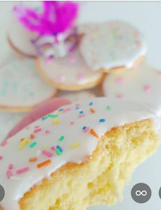 """Do you know why we call this delicious pastry """"American""""? - Food and drink - Kuchen Cake Candy, Bienenstich Recipe, Cannelloni Recipes, Blueberry Recipes, Bakery Cakes, Oatmeal Recipes, Cheesecake Recipes, Mini Cupcakes, Cake Cookies"""