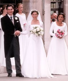 Lady Sarah Chatto nee Armstrong-Jones - on her wedding day. Nice simple dress.