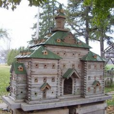 Amazing bird house - more like a bird hotel! http://thegardeningcook.com/bird-houses/