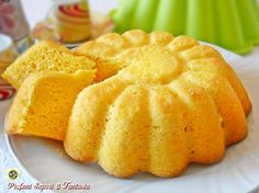 La Torta light senza zucchero e senza grassi è decisamente soffice adatta dalla colazione alla merenda, è anche un delizioso snack goloso con poche calorie