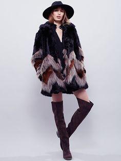coat and boots looooove