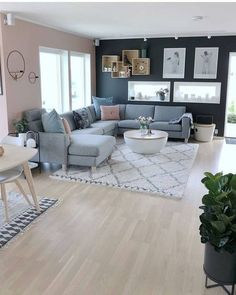 57 Impressive Small Living Room Ideas For Apartment. Are you looking for interior decorating ideas to use in a small living room? Small living rooms can look just as attractive as large living rooms. Small Living Rooms, Small Apartment Living Room, Living Room Decor Apartment, Living Room Interior, Home And Living, Apartment Design, Living Decor, Living Room Grey, Apartment Decor