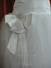 Szalagavató ruha kölcsönzés ★★★ AlleMode esküvői ruhaszalon Budapest Teréz körút 12.