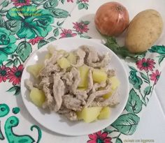 Straccetti di carne con cipolla e patate