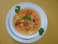 Falusi káposztaleves - Mindmegette.hu - #leves #káposzta #soup #falusi Vegetarian Cabbage, Goulash, Cabbage Soup, Hummus, Stew, Dishes, Breakfast, Ethnic Recipes, Food