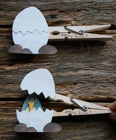 I rarely see a wooden clothes peg these days compared with the plastic ones that are a dime a dozen. Who knew you can transform such adorab...