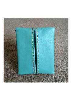 柔らかいレザーで作ったポケットティッシュケース。バッグの中でくちゃくちゃになりがちなポケットティッシュを、きれいな状態で、オシャレに持つことができます。無地の...|ハンドメイド、手作り、手仕事品の通販・販売・購入ならCreema。