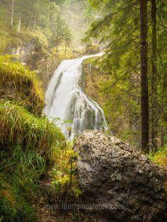 Der Gollinger Wasserfall an einem etwas feuchten Tag. Aber dadurch sind die Farben schön weich geworden. Salzburg, Hotels, Waterfall, Outdoor, Colors, Nice Asses, Outdoors, Waterfalls, Outdoor Games