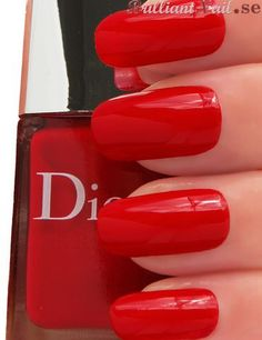 red.quenalbertini: Dior Vernis '753 Mayan Red' | by BrilliantNail