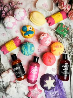 Lush Boxing Day Christmas sale, bath bombs, bubble bars and shower gels - The Violet Blonde, beauty and lifestyle blogger
