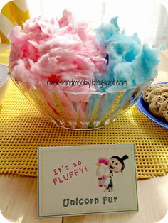 RACKS and Mooby: Despicable Me Minion Party It's so fluffy! Cotton candy for minion birthday party! Rainbow Unicorn Party, Unicorn Themed Birthday Party, Unicorn Birthday Parties, Birthday Fun, First Birthday Parties, First Birthdays, Birthday Ideas, Girl Birthday Party Themes, Birthday Party Snacks
