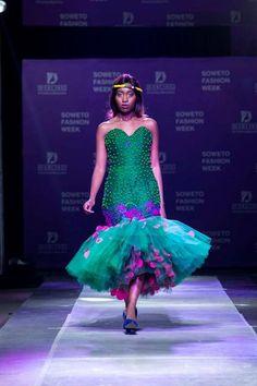 African Bridesmaid Dresses, African Wedding Dress, African Dress, African Outfits, Tsonga Traditional Dresses, African Traditional Wear, Africa Fashion, Traditional Wedding, Formal Dresses