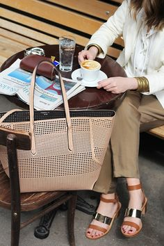 Fashion and style: Coffee break Office Fashion, Work Fashion, Fashion 2015, Nude Bags, Shopping Day, City Chic, Coffee Break, Her Style, Parisian