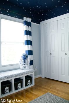 Star Wars Bedroom Reveal - Mar Gro - Star Wars Bedroom Reveal Low crown moulding for the galaxy ceiling -