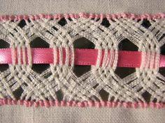 Deshilado: Muestrario 13 Hazme si puedes (1 de 5) - /pastseekers/weaving/   2,032 BACK