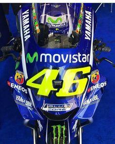 509 vind-ik-leuks, 1 reacties - Valentino Rossi Fanpage (@vr_46legend) op Instagram: 'Yamaha M1 . #vale#46'