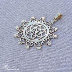 Semente da Vida, Pendente Geometria Sagrada, Yoga Jewelry, Goddess Adornment, Tribal Beauty, Bronze ~ 50 mm by KalinamMandalaArt on Etsy