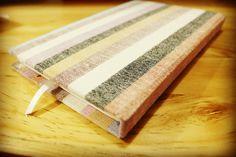 Libreta forma francesa. Pastas de madera forradas de tela tejida en telar de madera. #oaxaca #TierraDeLuz